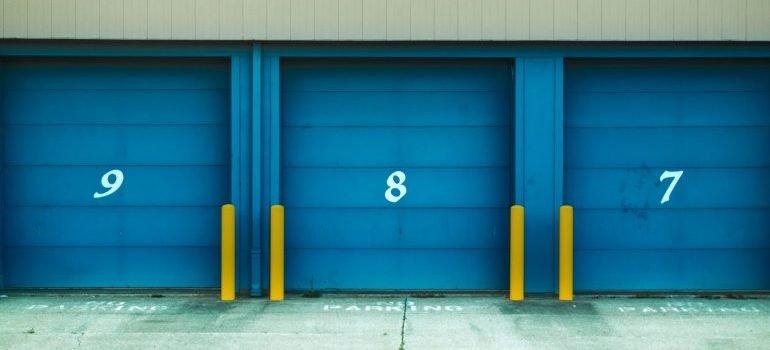 storage units, representing storage services